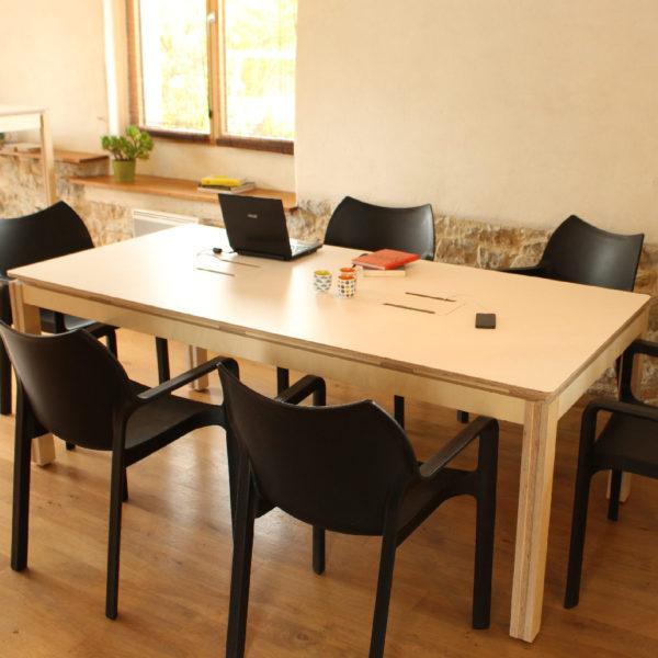 table travail réunion personnes