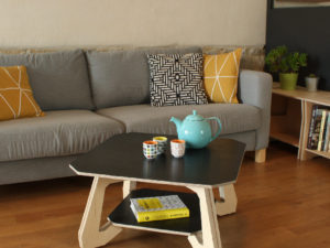 table basse bois design noir