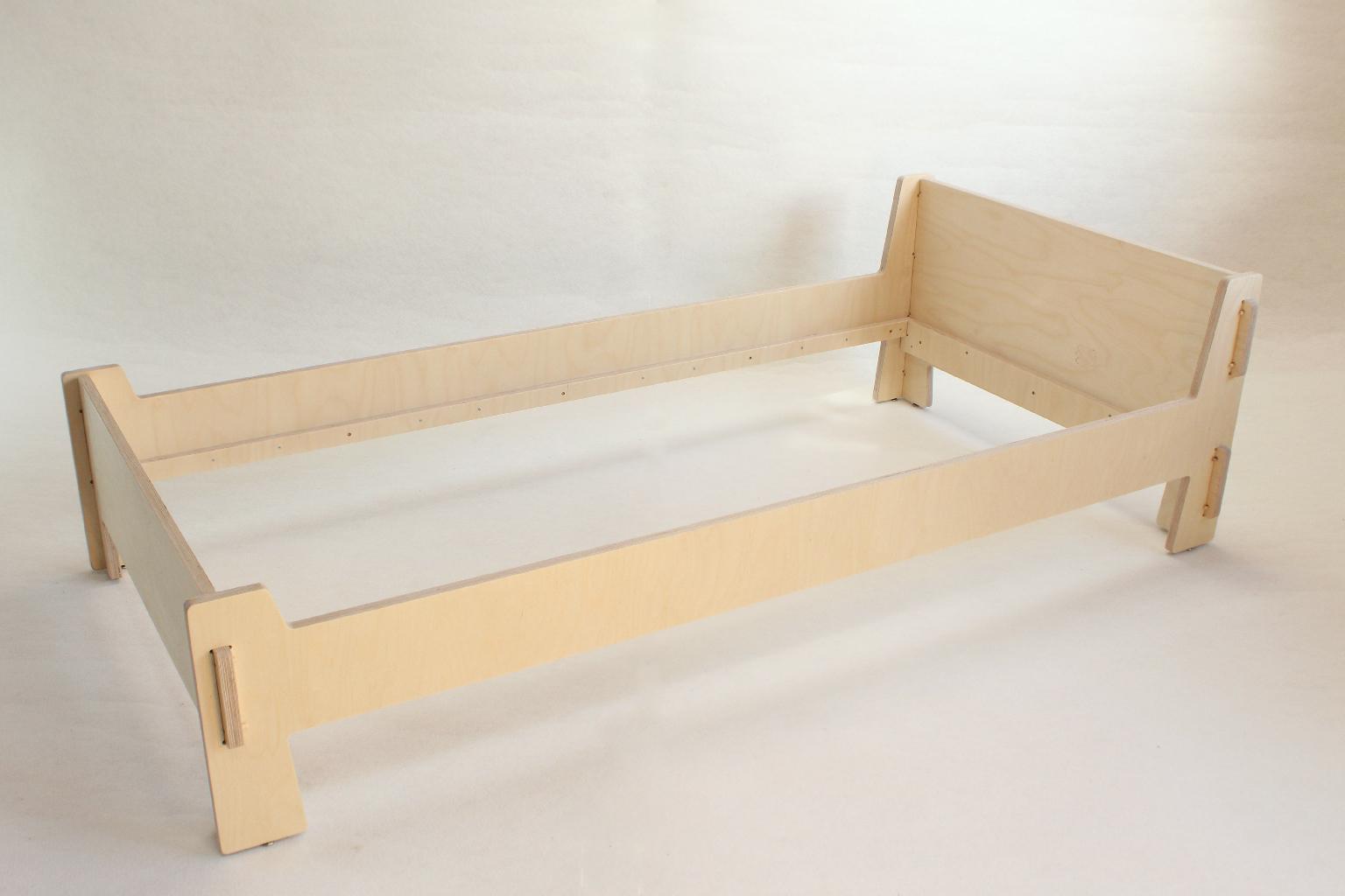 cadre de lit enfant 9018 atelier minassian. Black Bedroom Furniture Sets. Home Design Ideas